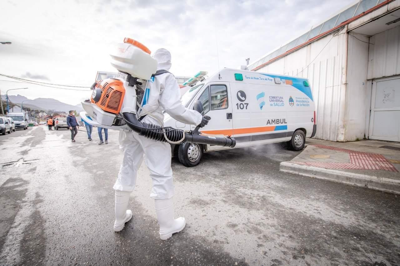 Continúan con los trabajos de desinfección en distintos lugares públicos de Ushuaia