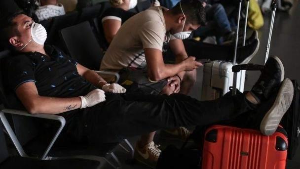Fueguinos varados en aeropuertos de Buenos Aires fueron trasladados a un hotel