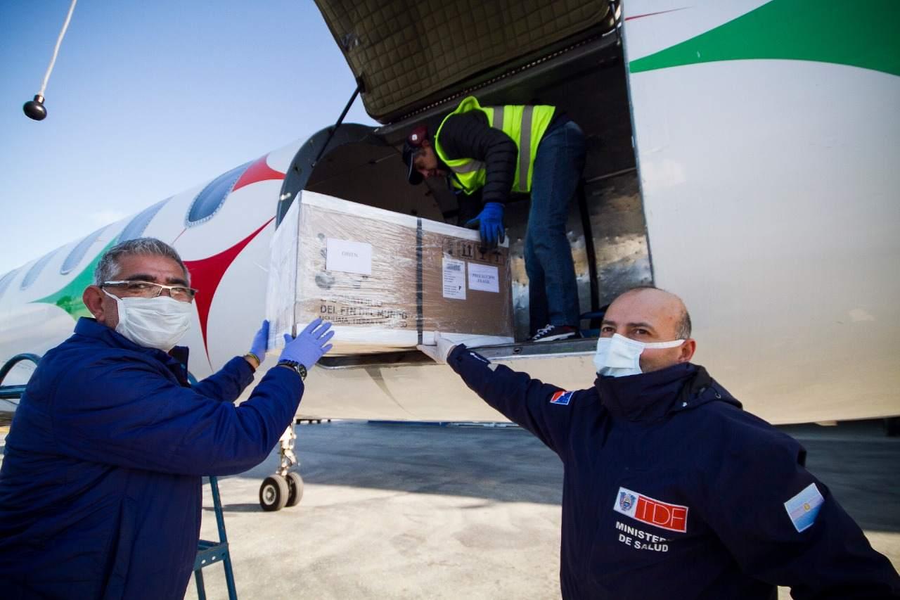 Llego el primer vuelo sanitario y la provincia comienza a realizar test por el COVID-19