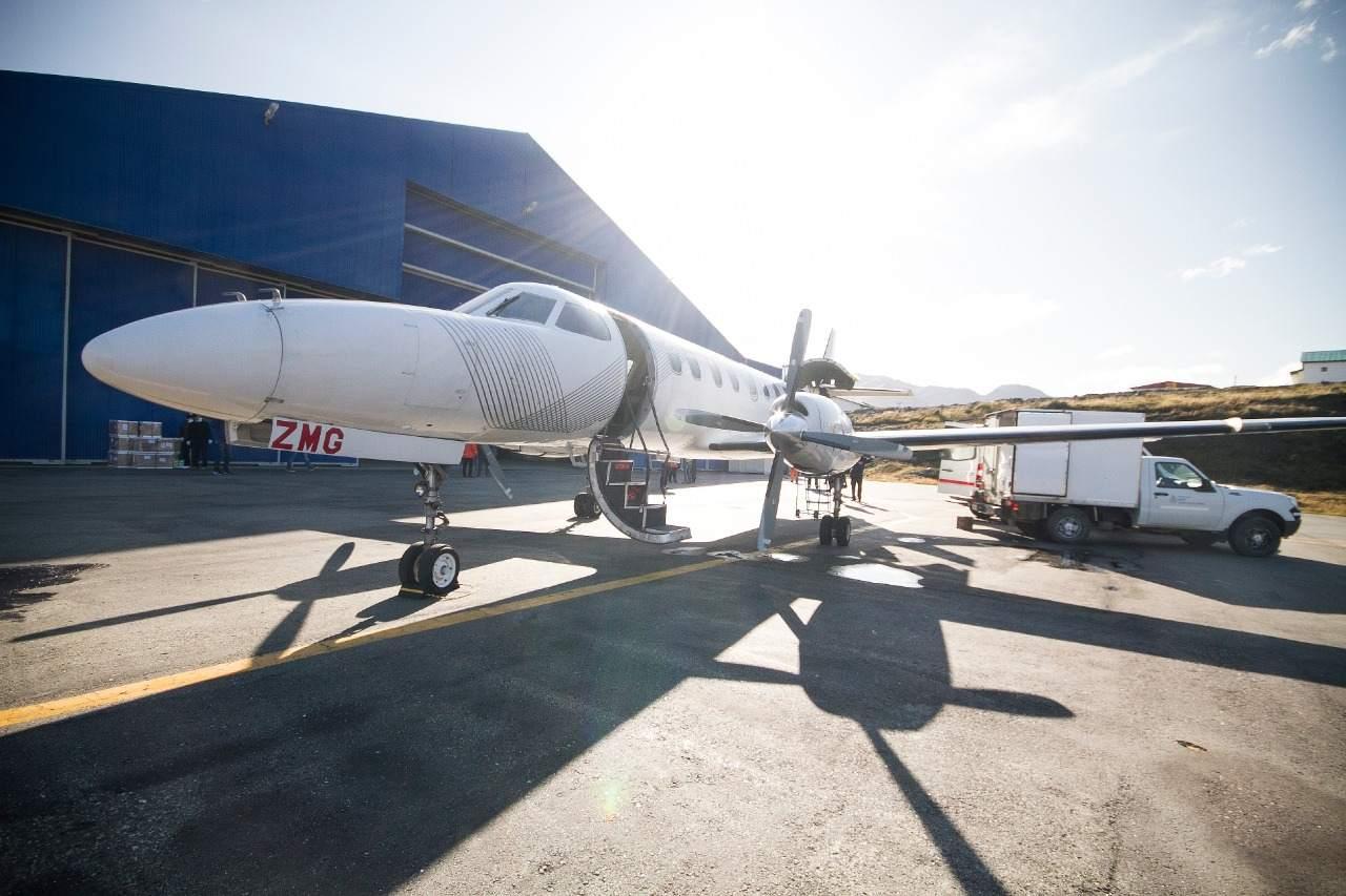 Llegó un nuevo vuelo sanitario con insumos para los Hospitales de Ushuaia y Río Grande