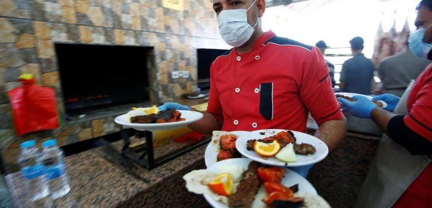 Cuarentena administrada: Acuerdan con el sector gastronómico un protocolo que les permita reabrir la próxima semana