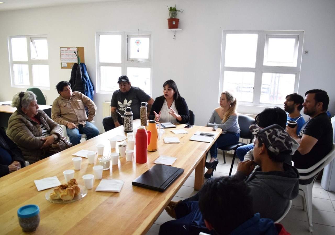 Gestionan financiamiento para el sector de la economía popular en la provincia