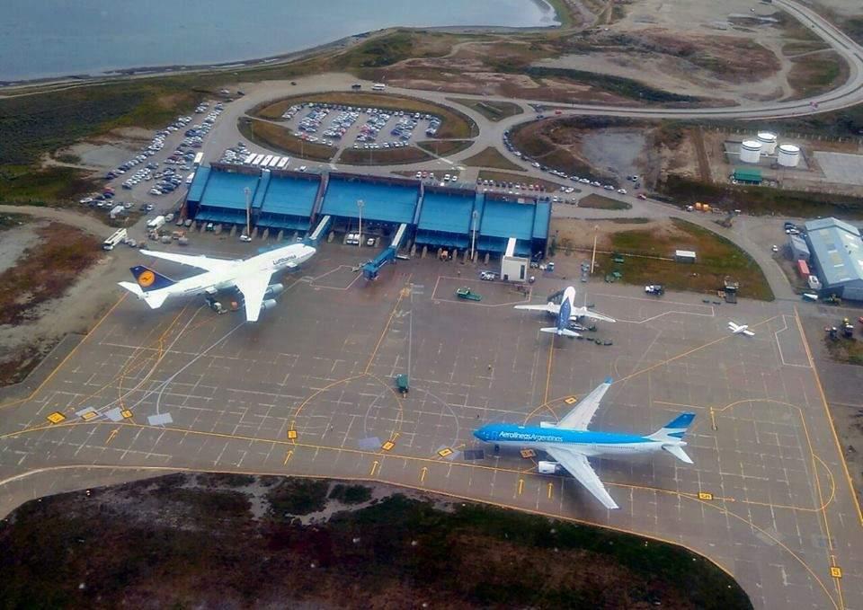 El Gobernador Melella pidió a Aerolíneas adecuar las fechas de los vuelos a Ushuaia