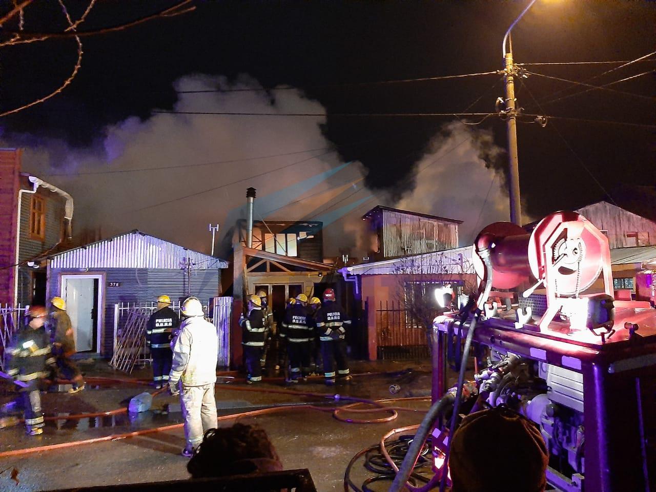 Varias viviendas afectadas en dantesco incendio en el casco viejo de la ciudad de Río Grande