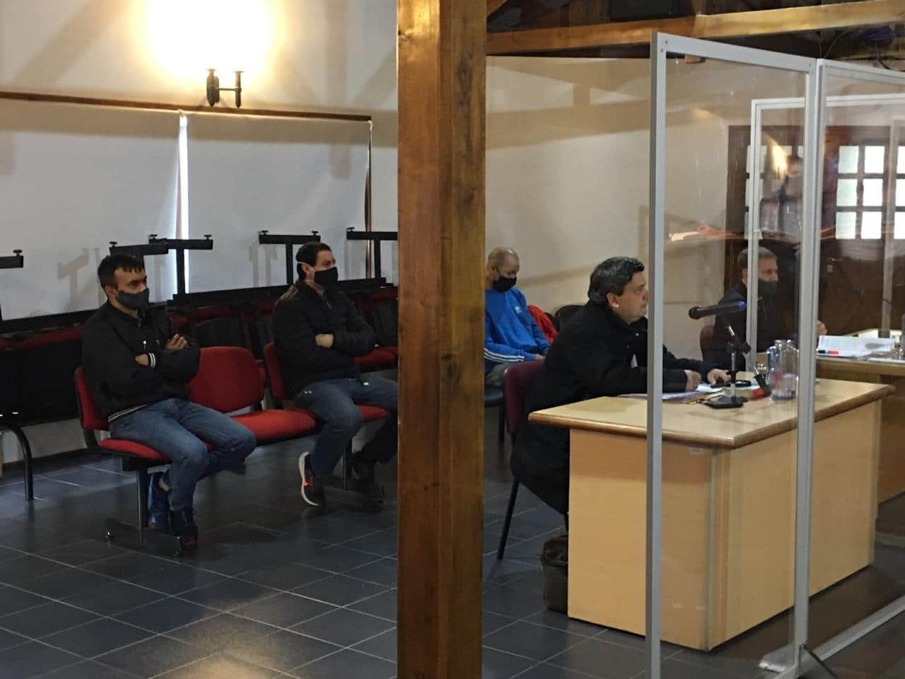 Comenzó juicio en Ushuaia a sospechosos de dos asaltos a mano armada