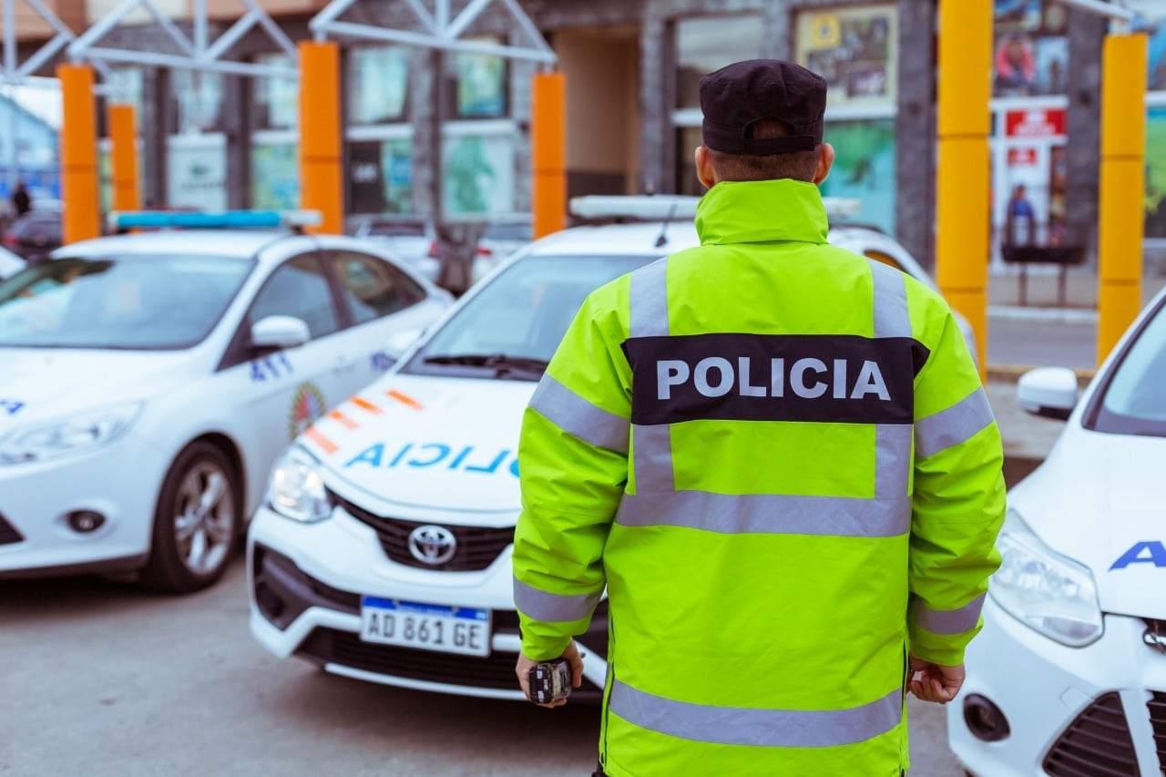"""Un policía fue detenido por causa de """"Violencia de Género"""" y lo pasaron a pasiva"""