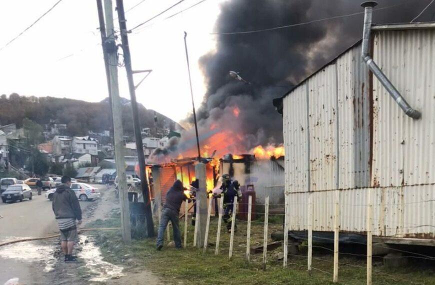 El fuego consumió una vivienda en Ushuaia