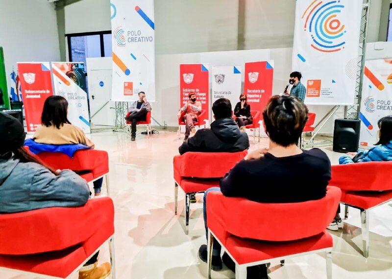 Con gran convocatoria se realizó la jornada Juventudes Literarias, un espacio para el arte literario en Ushuaia