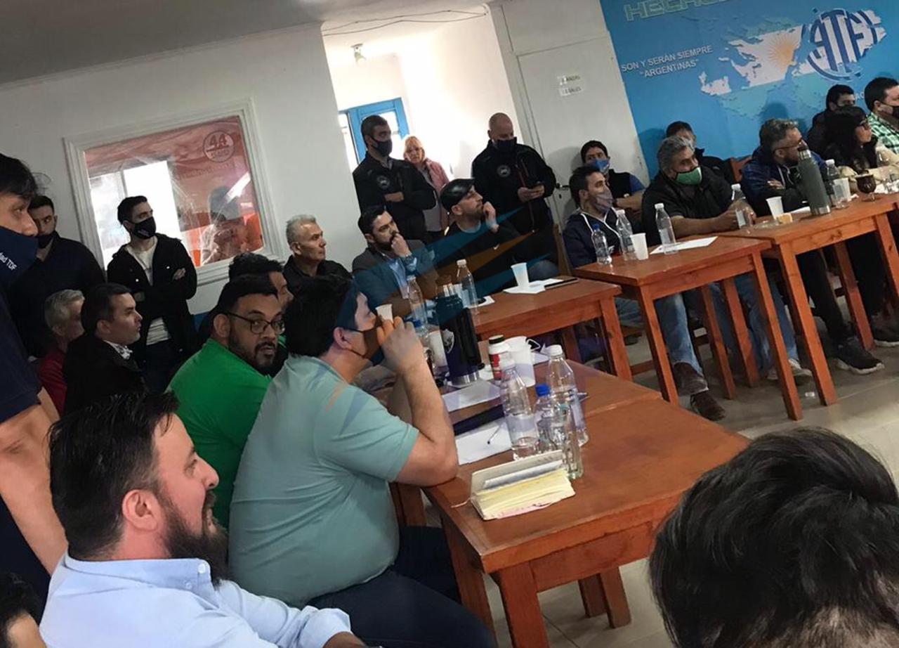 """Sindicatos peronistas repudiaron el proyecto contra indemnizaciones: """"Rechazamos la política de ajuste y la quita de derechos"""""""