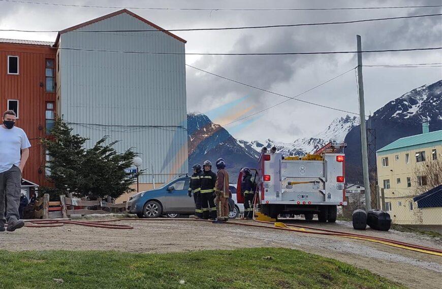 Vecinos evacuados por la explosión de un nicho de gas en Ushuaia