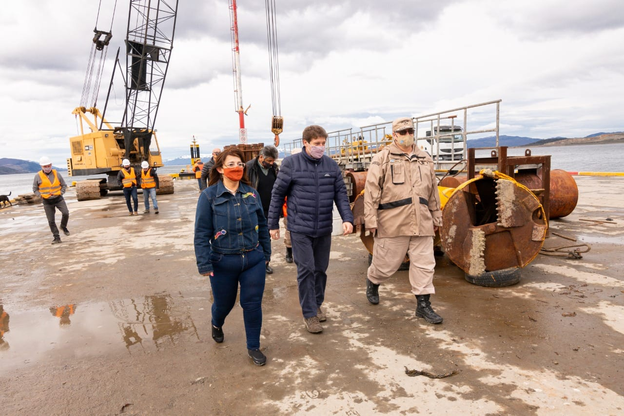 """""""La ampliación del muelle del Puerto de Ushuaia ya es una certeza que generará crecimiento y más empleo"""""""